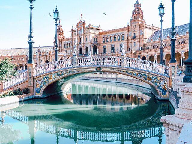 Seville proslulé španělskou kulturou